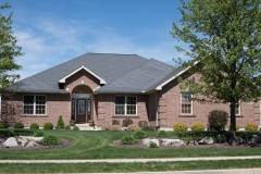 Custom built split floor plan all brick built in Stonebridge (Troy)